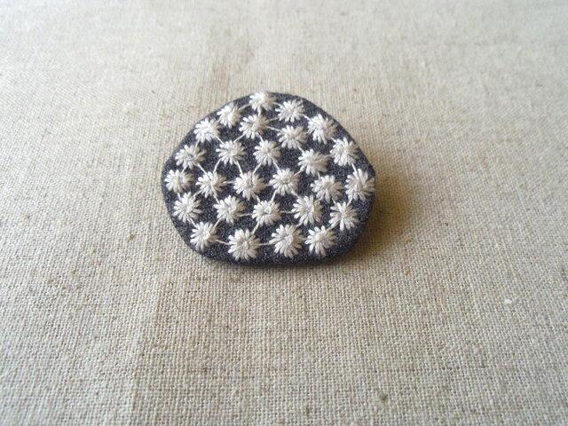 刺繍ブローチ スパークルの画像1枚目