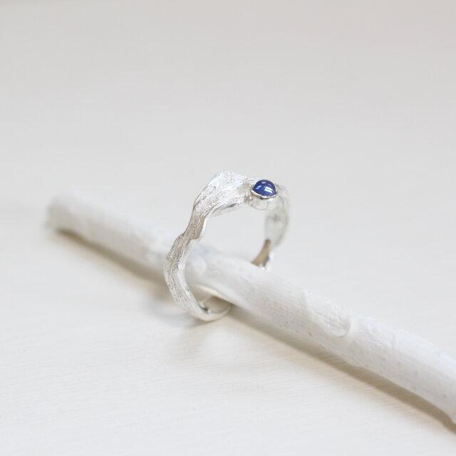 【現物限り】レーラズの指環 サファイアカボション 9月・水瓶座 誕生石・星座石を用いた一点物リング 1石の画像1枚目