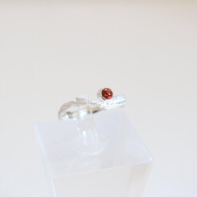 【現物限り】レーラズの指環 ガーネットカボション 1月・牡羊座・蠍座 誕生石・星座石を用いた一点物リングの画像1枚目