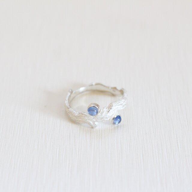 【現物限り】レーラズの指環 サファイアカボション 9月・水瓶座 誕生石・星座石を用いた一点物リングの画像1枚目