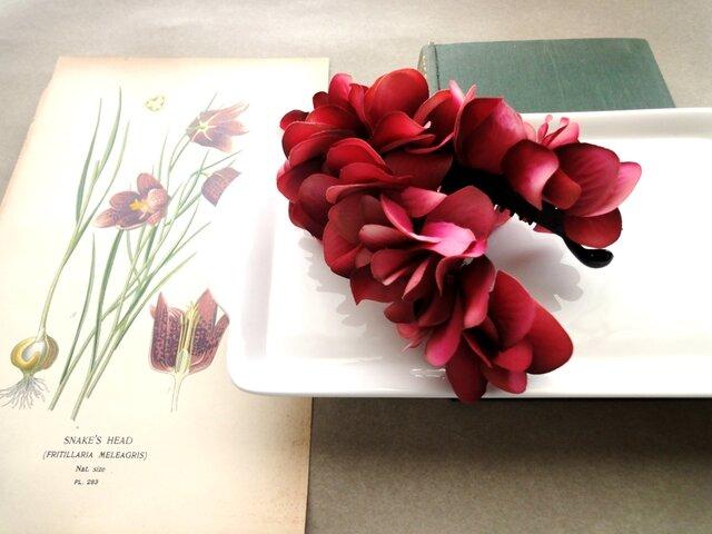紫陽花のバナナクリップ ■ ドラマティックカラー ■A レッドバーガンディの画像1枚目