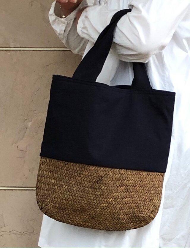 麦わらと濃紺リネンコンビかばん 縦型  受注製作の画像1枚目