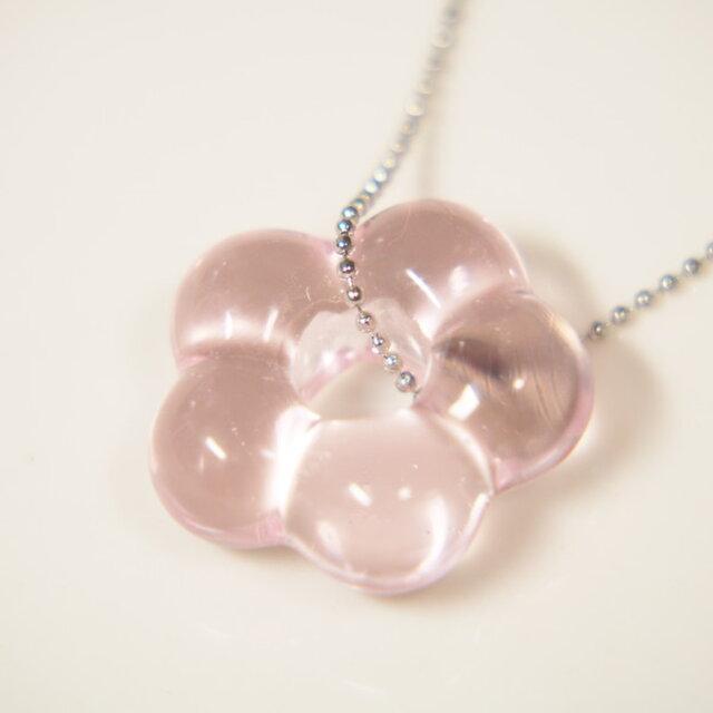 お花のネックレス 薄ピンクの画像1枚目