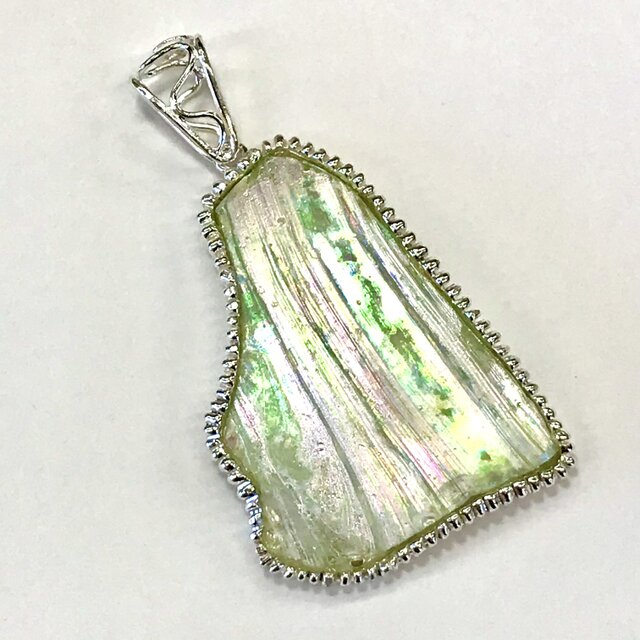 熱い砂の中耐えたガラスは宝石となった!ローマングラス(送料無料)の画像1枚目