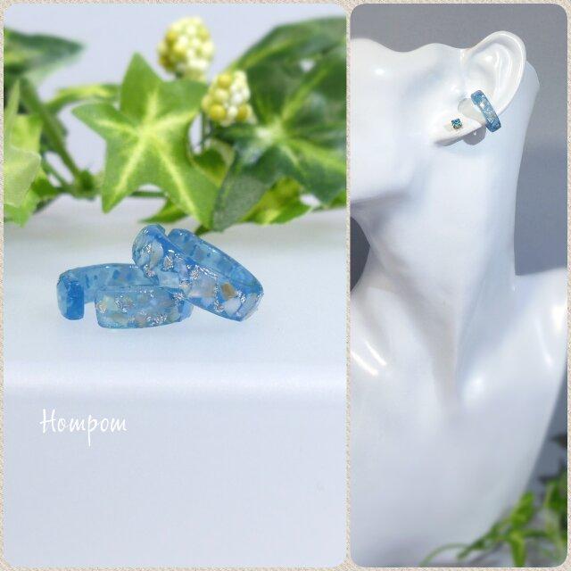 20p066_クラッシュシェルがか耀く☆くすみブルーのイヤーカフ ホムポムの画像1枚目