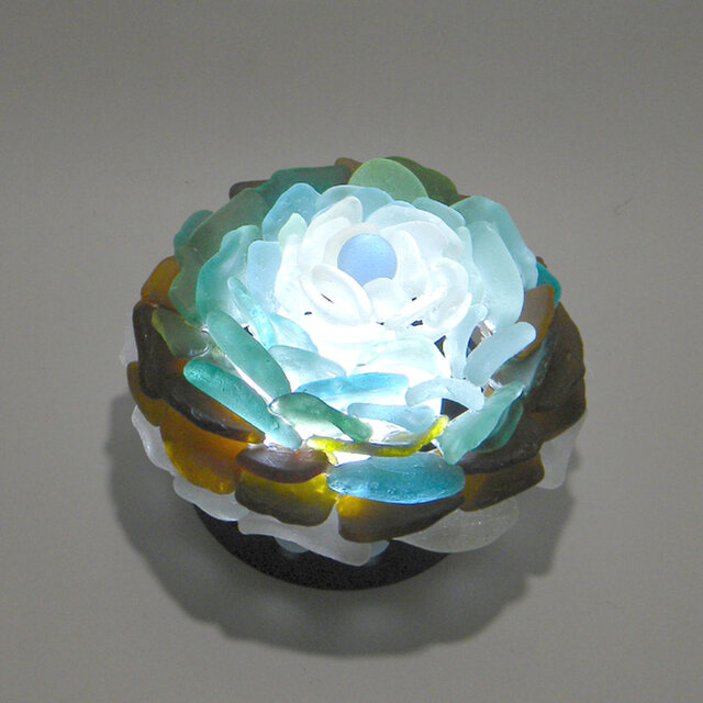 シーグラス 花びらのテーブルランプ-6の画像1枚目
