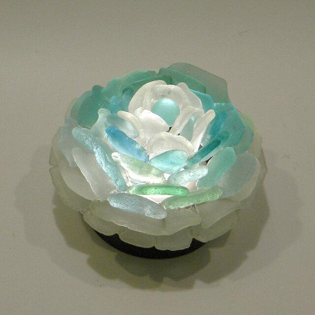 シーグラス 花びらのテーブルランプ-3の画像1枚目