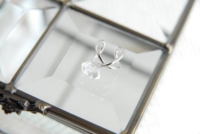 ハーキマーダイヤモンド水晶のイヤカフ 銀色の画像1枚目