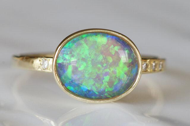 K10製 オパールとダイヤモンドのリングの画像1枚目