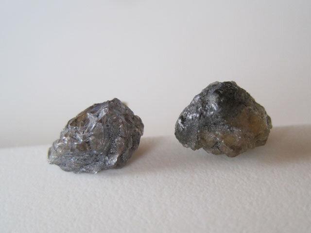 タンザナイトの原石ピアス/tanzania 14kgfの画像1枚目