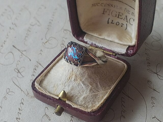 アンティーク サフィレット(約8㎜スクエア)指輪/アンティークSilverカラー フリーサイズの画像1枚目