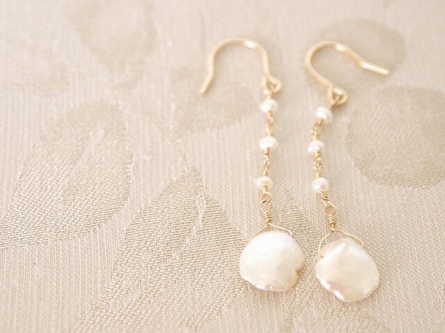 14KGF Petal Pearl Earringsの画像1枚目