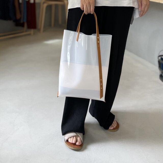 2WAYハンドル PVCと牛革ハンドルのトートバッグ【ミルク】の画像1枚目