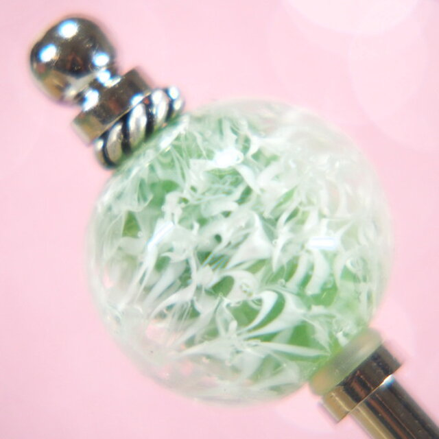 とんぼ玉のかんざし 編み目 緑の画像1枚目