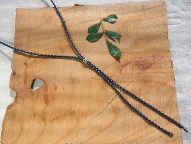 メンズ 絹組紐のループネックレス(紺)の画像1枚目