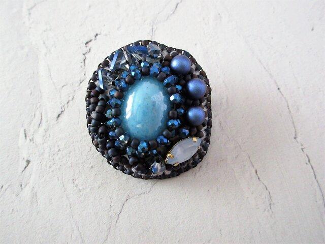 Brooch ビーズ刺繍 チェコガラス(K1045)の画像1枚目