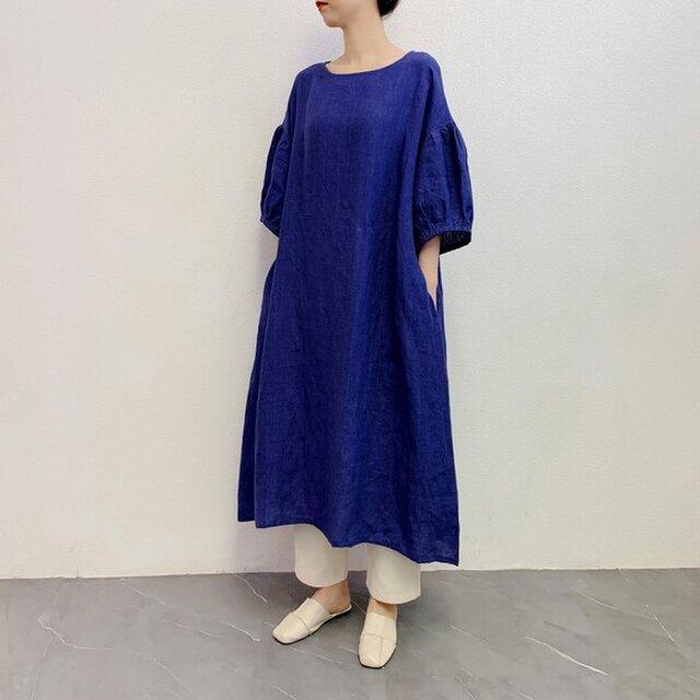 en-enリネン・ふんわりゴム袖ワンピース・明るめ青の画像1枚目
