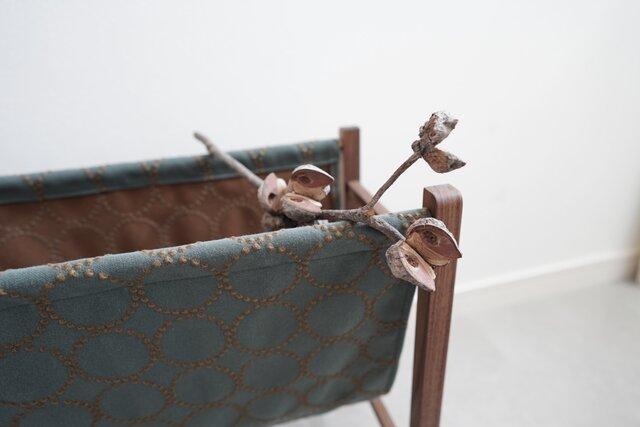 マガジンラック/無垢家具/ウォールナット/インテリア小物/インテリアオブジェ/収納/walnut/magazine rackの画像1枚目