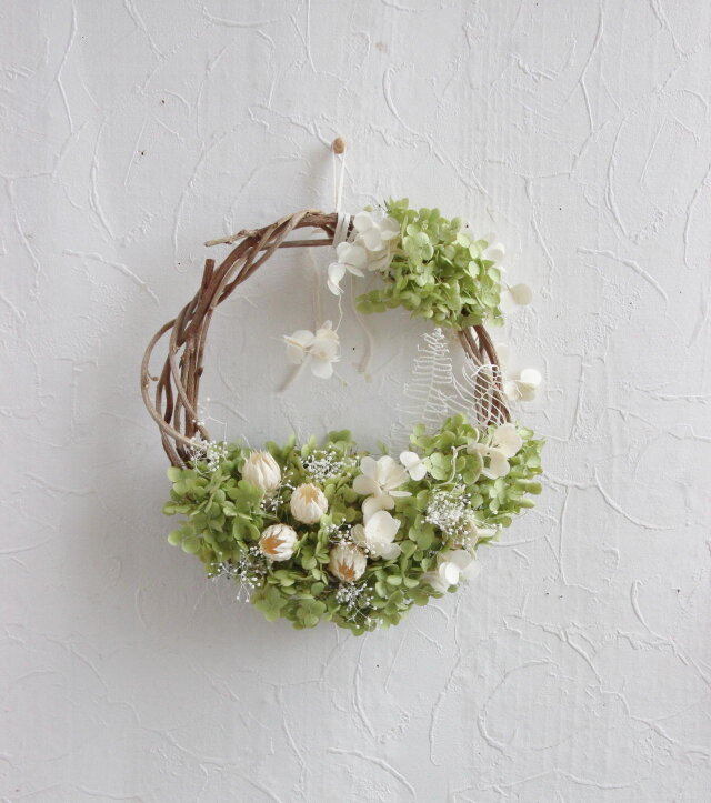 white buds and annabel wreathの画像1枚目