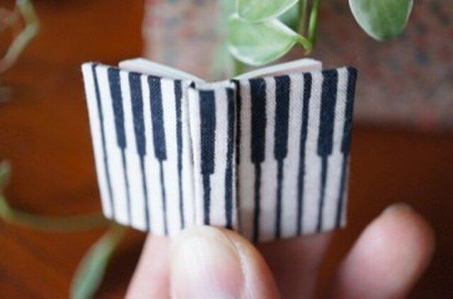 小さいピアノの画像1枚目