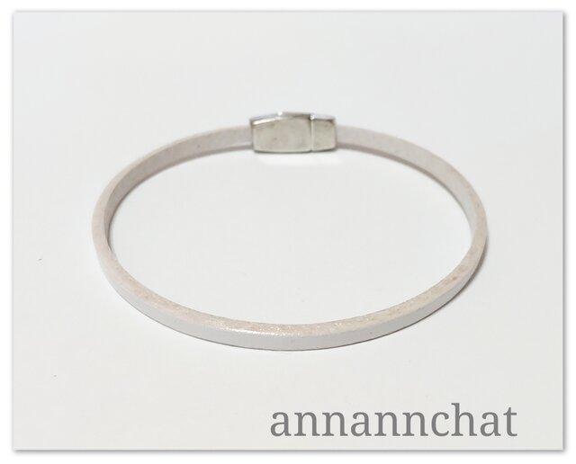 【ヨーロッパ製 白 ホワイト 3mm 細い ブレスレット】の画像1枚目