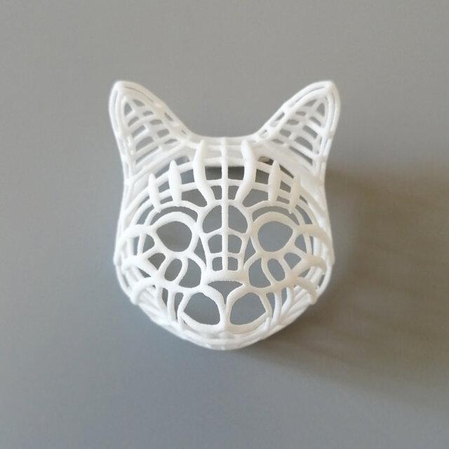ネコ ブローチ 白の画像1枚目