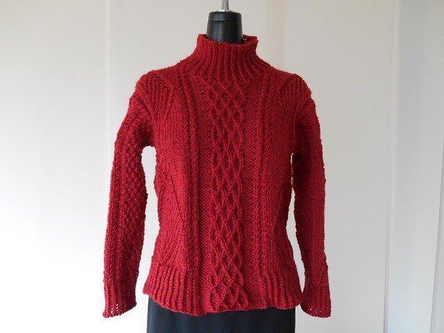 えんじのショート丈模様編みセーターの画像1枚目