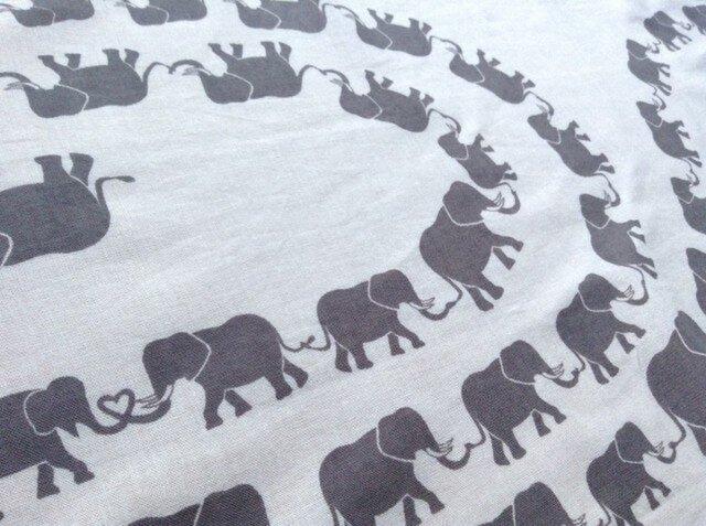 アジアゾウが1匹だけいる「象」の手ぬぐいの画像1枚目