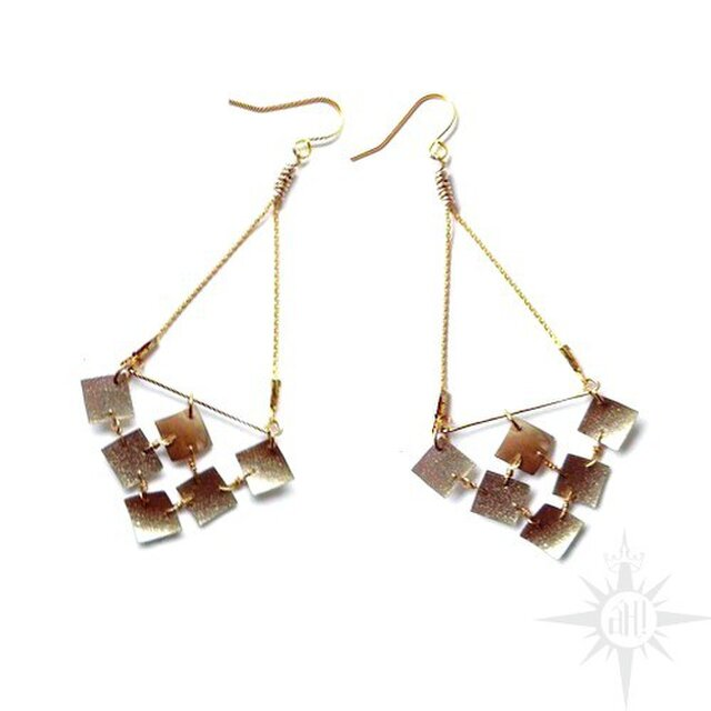 gold squared earringの画像1枚目