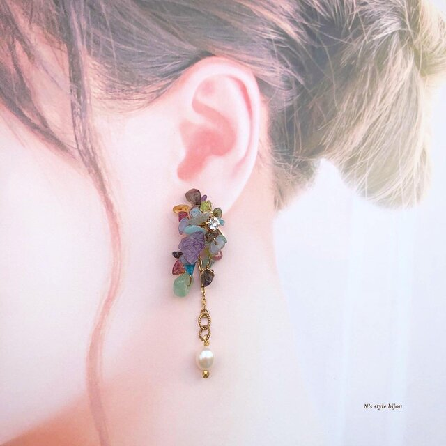 虹色パール 2way耳飾り (ピアス) ※イヤリング付け替え可の画像1枚目
