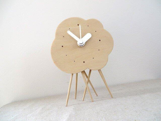 小さなくもの置き時計(雨足付)|basswoodの画像1枚目