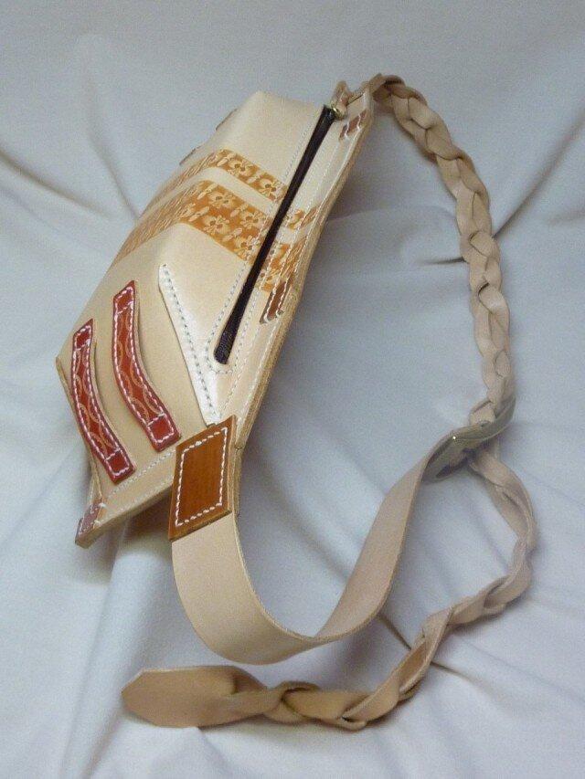 【Y様ご注文品】ヌメ革のぜいたくヒップバッグの画像1枚目
