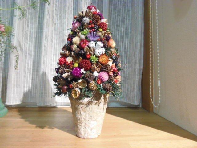 オーダー木の実と小花のクリスマスツリーIIの画像1枚目
