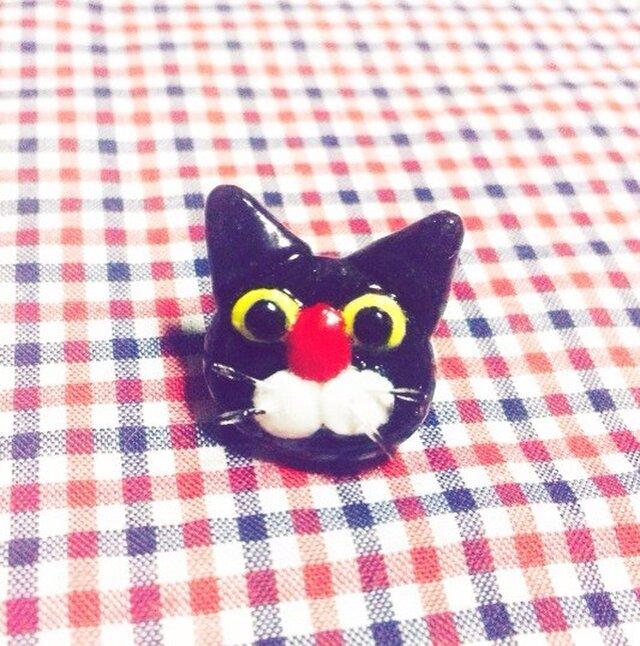 黒猫のプチピアスの画像1枚目