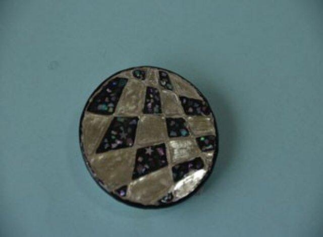 No39 円形のブローチの画像1枚目