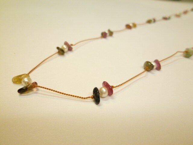 #1 天然石と淡水パールのネックレスの画像1枚目