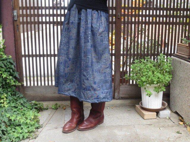 着物リメイク☆ボリューム感のある織りの紬でスカート74cm丈の画像1枚目