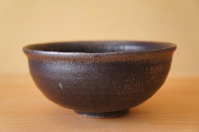 黒釉中鉢の画像1枚目