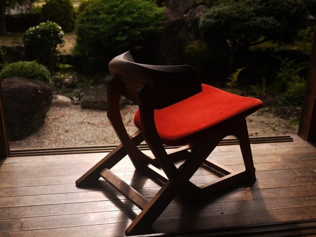 α chair [ アルファ チェア ]の画像1枚目