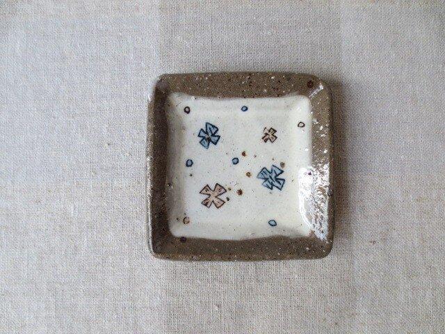 粉引き四角豆皿(✖柄) の画像1枚目