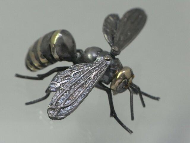 スズメバチのシルバーフィギュアの画像1枚目