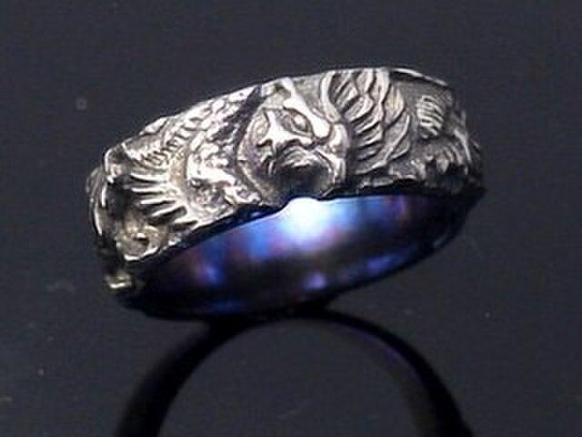 チタンの鳳凰の結婚指輪の画像1枚目