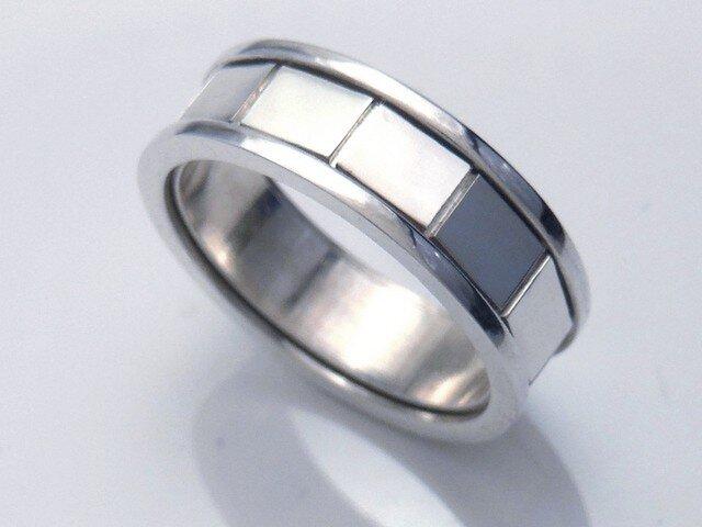 長方形のリングの画像1枚目