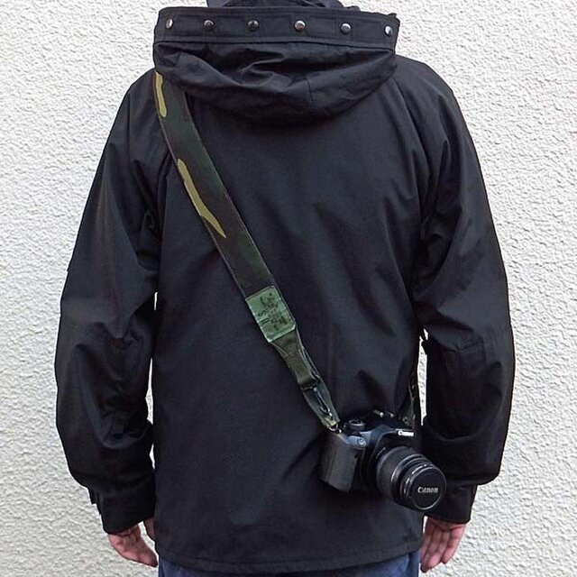 アメリカ軍迷彩カモフラージュ柄 ミリタリー カメラストラップ  コーデュラナイロンの画像1枚目