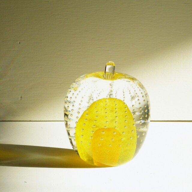 ガラスのリンゴ 「黄」の画像1枚目