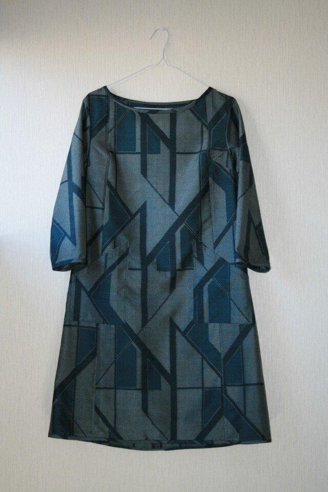 絹 紬 紺 幾何学模様 長袖ワンピース Mサイズ の画像1枚目