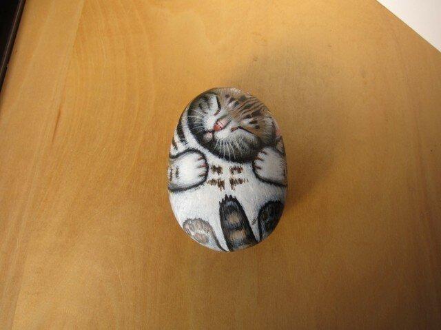 アメショーの石猫(爆睡)の画像1枚目