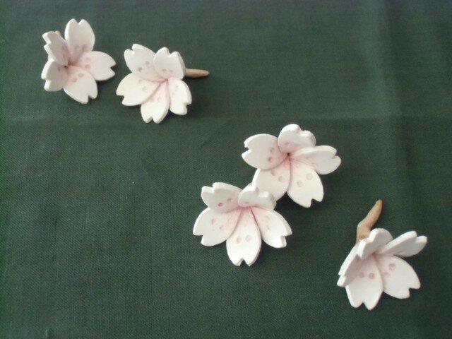 追加しました*桜の箸置きの画像1枚目