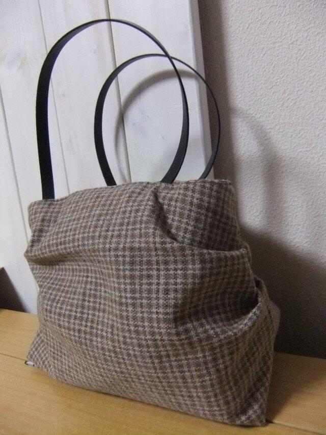 ウールのころりんバッグの画像1枚目