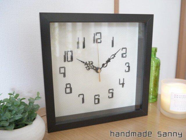 シンプル 刺しゅう 時計の画像1枚目